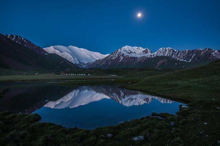 Kirgistan Pik Lenin und Tulpar See, Kyrgyzstan Peak Lenin and Tulpar Lake